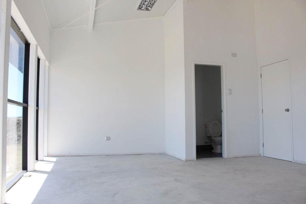 Galpones/oficinas La Laja